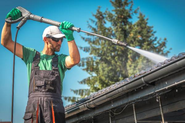 Red Deer residential pressure washing services